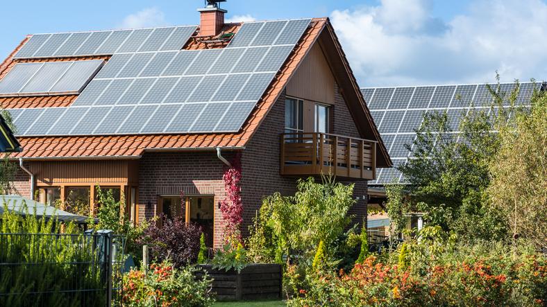 Symbolbild Solaranlage auf Einfamilienhaus